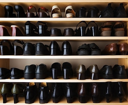 a shelf full of shoes