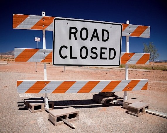 Road Closed Sign - Photo courtesy of ©iStockphoto.com/archives, Image #6380129