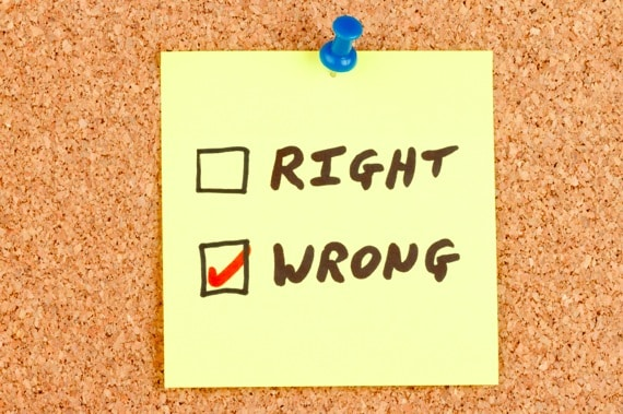 Right and Wrong Checkboxes on an Adhesive Note - Photo courtesy of ©iStockphoto.com/nigelcarse, Image #18295430