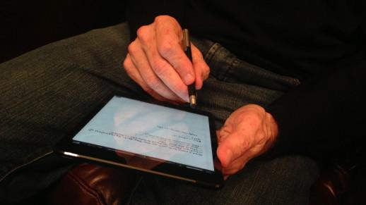 Michael Hyatt Holding His iPad Mini